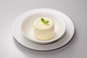 ガストのバニラアイスケーキも糖質制限の味方